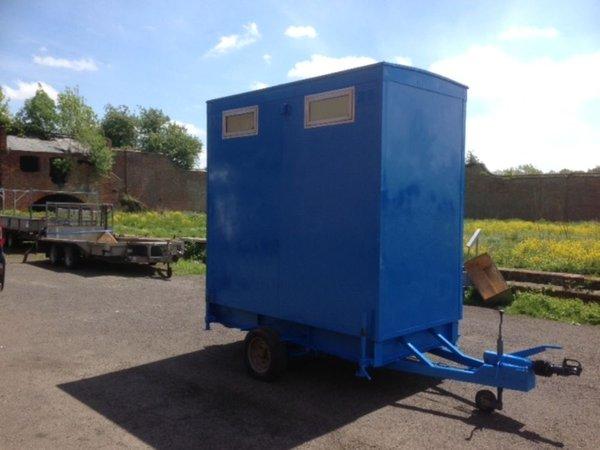 1+1 mobile toilet