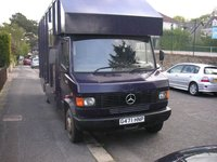 Horse box live in mercedes