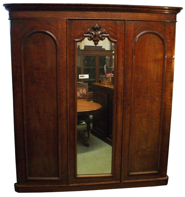 Victorian Mahogany 3 door wardrobe