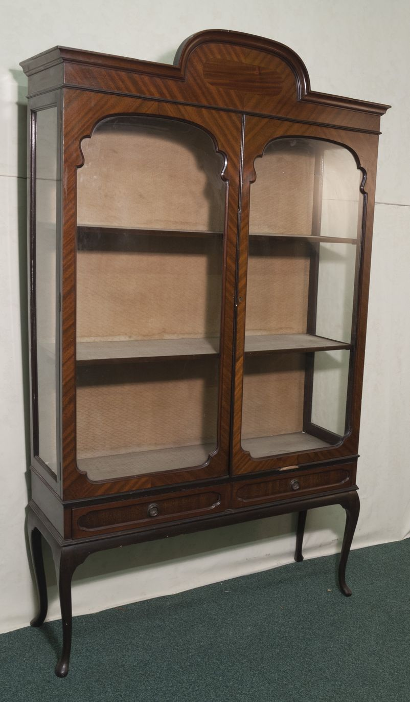 Great Queen Anne Antique Display Cabinet 802 x 1372 · 127 kB · jpeg