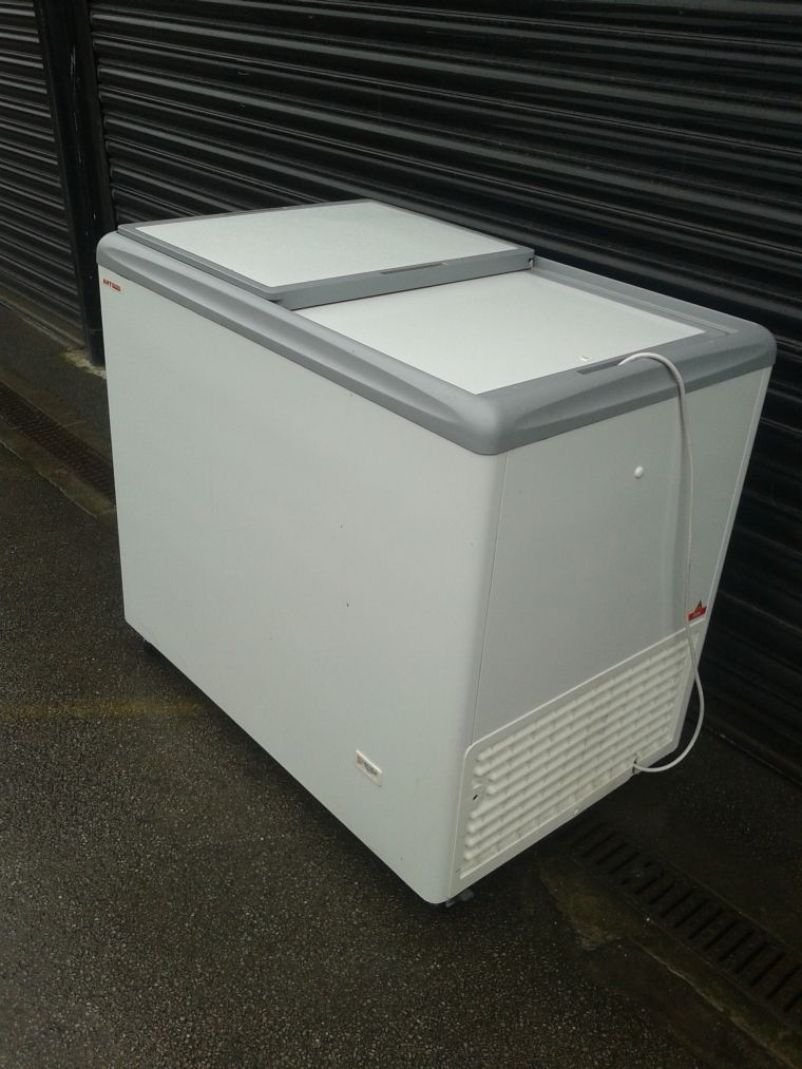32 ice cream equipment chest freezer york - Chest Freezers On Sale