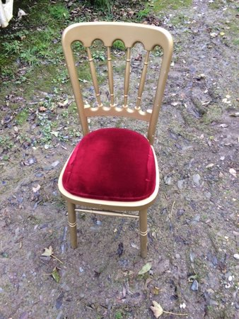 185x Gilt Chairs from Fiesta Furnisher Gold with Red Seat Pad