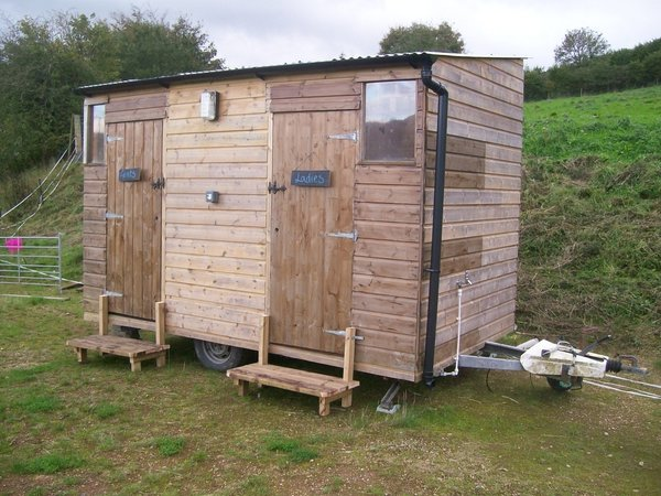 Mobile wooden toilet block