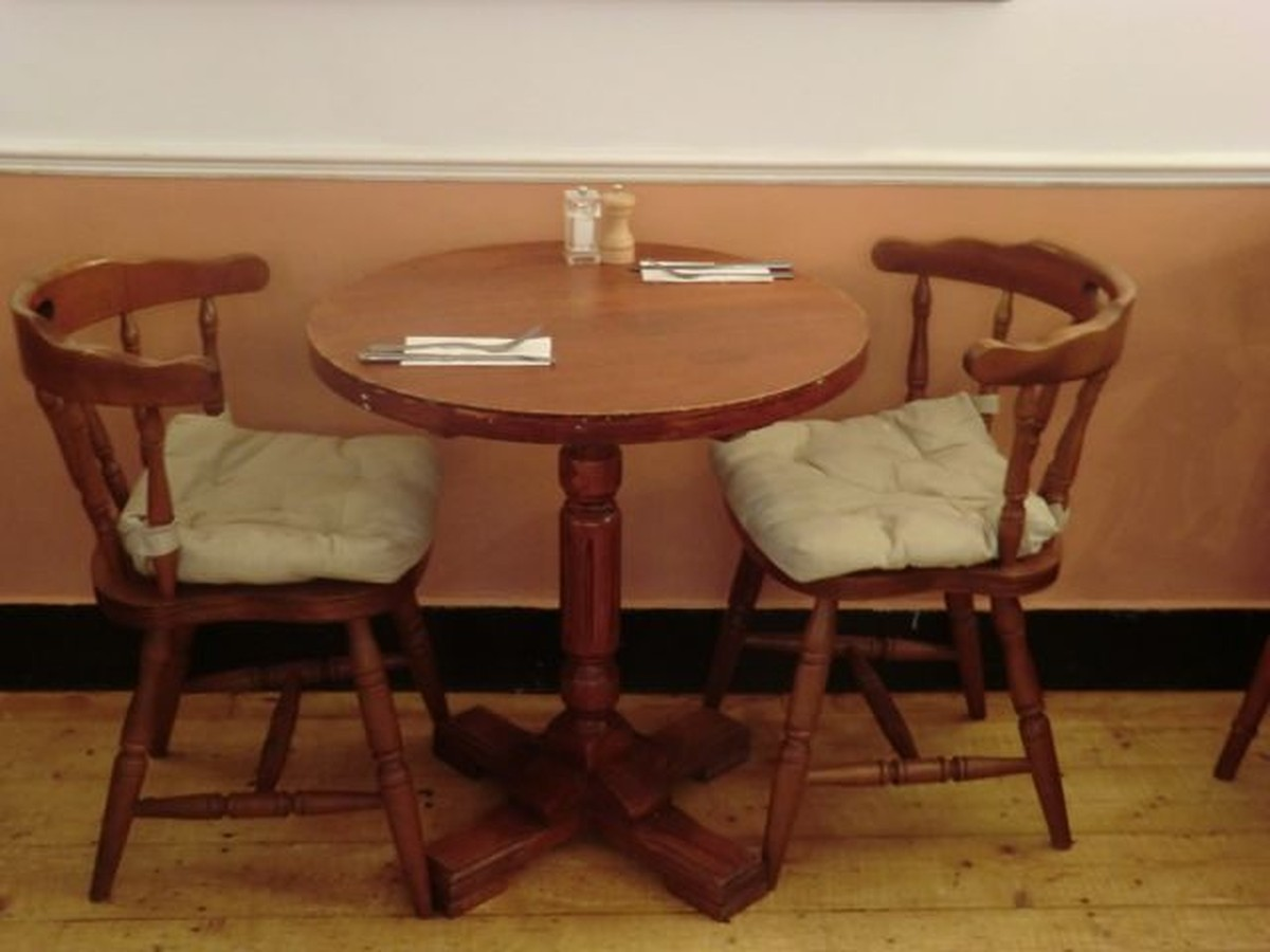 Secondhand Pub Equipment Chairs 25x Farmhouse Style Heavy Duty Chairs Nw London