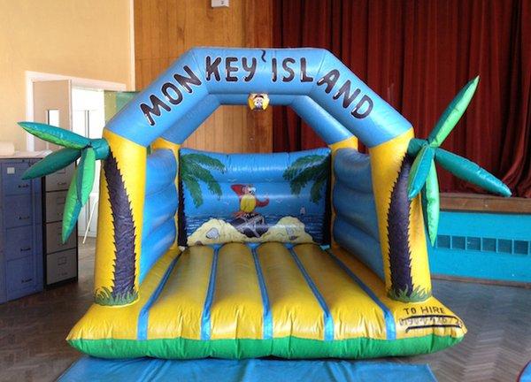 8ft x 8ft toddler bouncy castle
