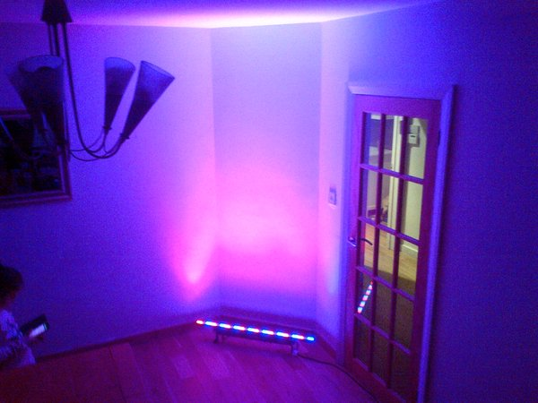 Chauvet 1meter colour programable wall wash lights