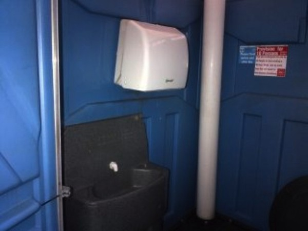 Reconditioned Portable Toilet single unit