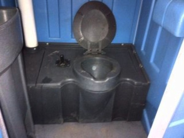 Buy Reconditioned Portable Toilet