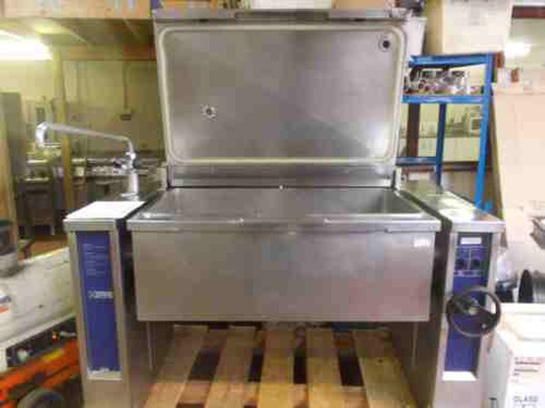 Large Second hand brat Pan for sale