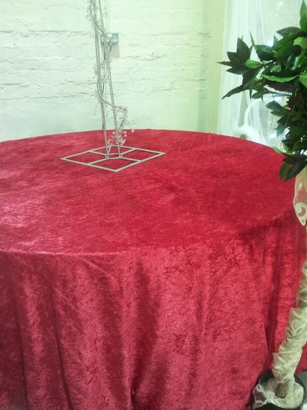 Round red velvet table cloth