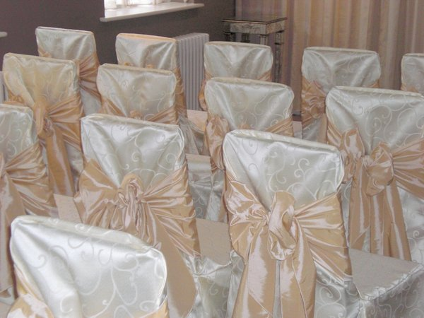Ivory Swirl Damask Chair Covers and Matching Linens