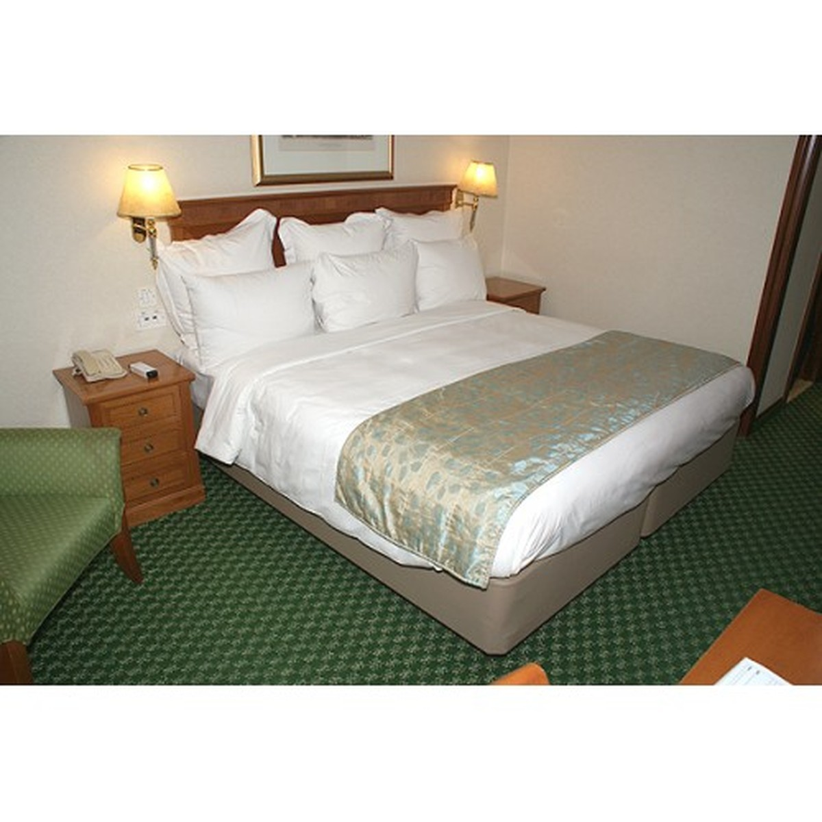 Secondhand hotel furniture mayfair furniture caterfair for Cheap furniture delivery