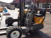 Loadmac moffett fork lift