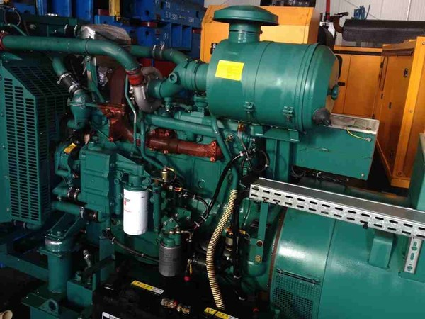 water-cooled, 200kva skid mounted 3 phase Generator