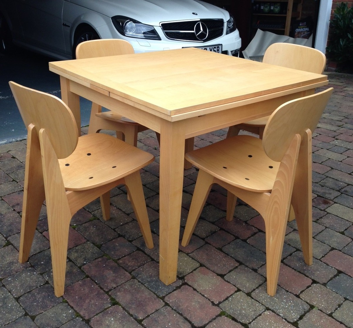 Secondhand chairs and tables home furniture second for Second hand table and chairs