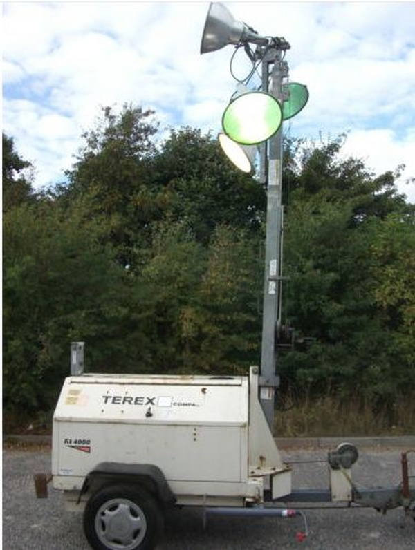 Terex RL4000 lighting tower