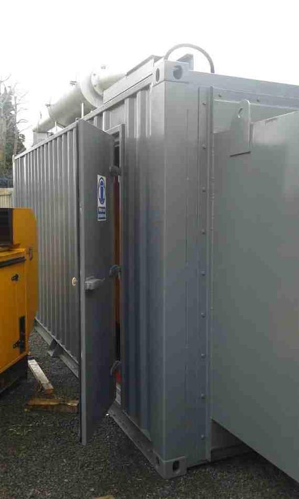 Container access door