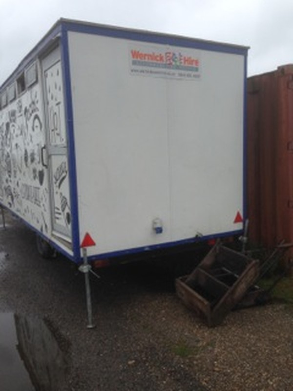 Buy Used towable toilet trailer