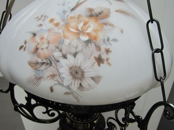 Dutch Style Lamp with hairline crack