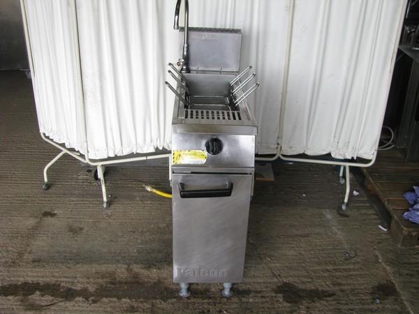 Falcon pasta cooker