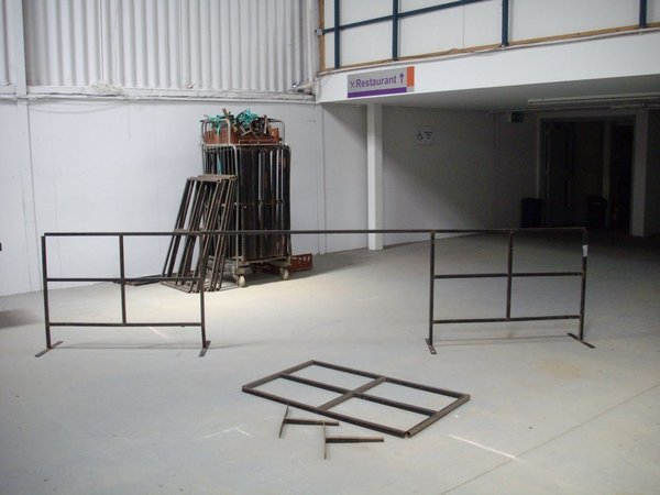 Black Steel Barrier Frames