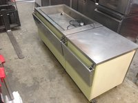 Hot bain marie wet well with side counter