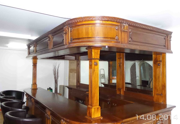 Freestanding solid mahogany bar and canopy