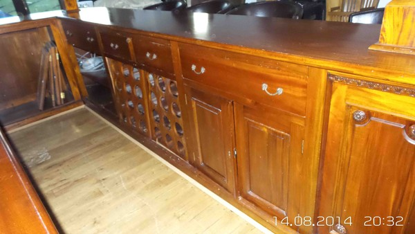 traditional solid mahogany bar and canopy