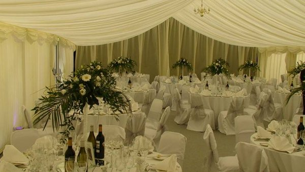 Job Lot of Chair Covers and Sashes For Sale - Reading, Berkshire