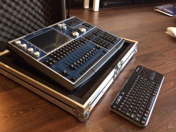 Chamsys MagicQ MQ60 Compact Lighting Console