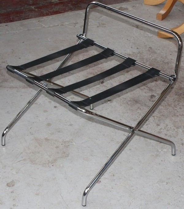 Metal luggage rack