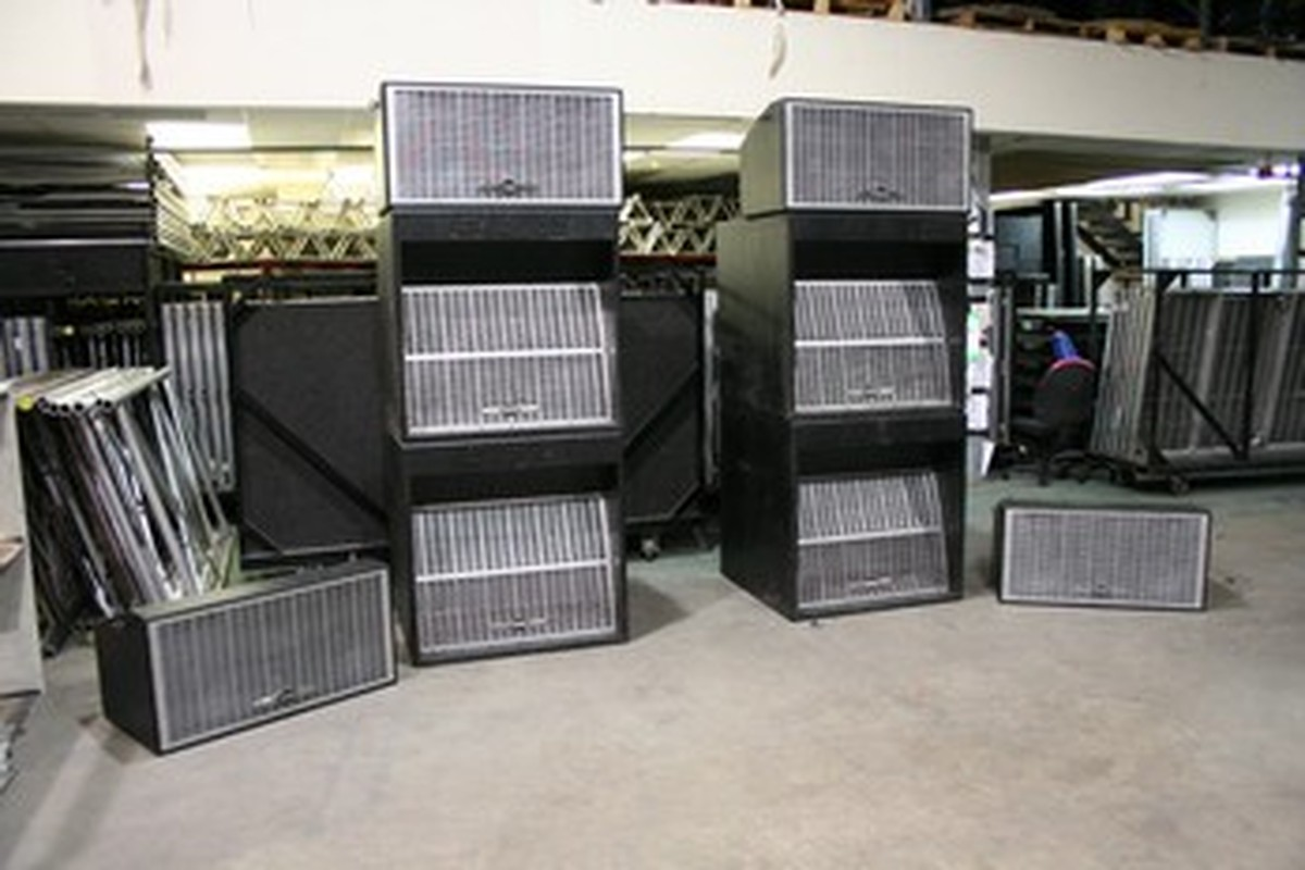 secondhand sound and lighting equipment pa systems eaw avalon pa ideal for installation into. Black Bedroom Furniture Sets. Home Design Ideas
