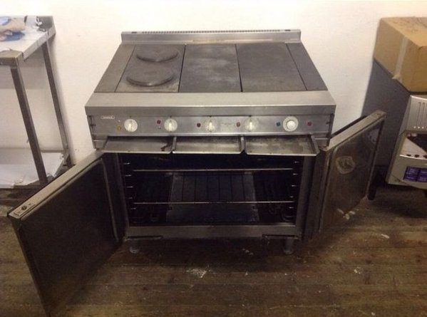 Falcon dominator solid top electric oven