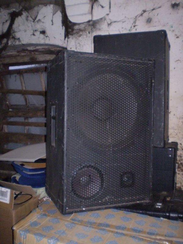 1 x Pair Full Range 400w Cabinets Speakers
