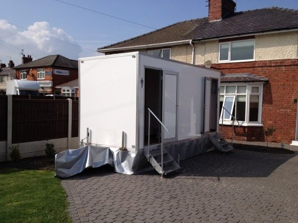 2+1 toilet trailer exterior