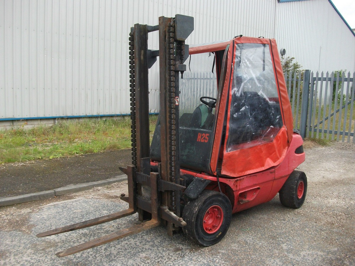 Curlew secondhand marquees transport equipment linde for Forklift motor for sale