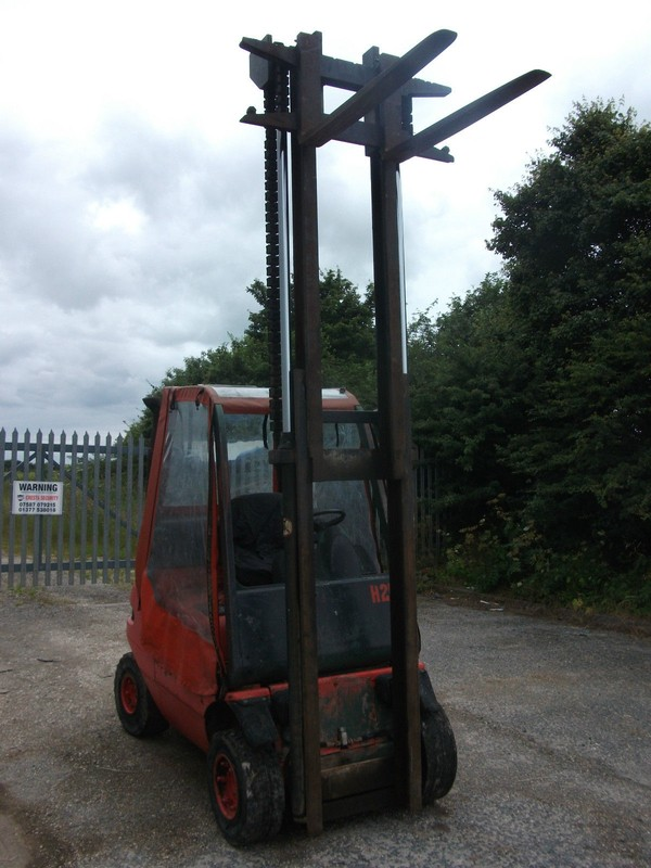 Buy Used Linde H25 Fork Lift