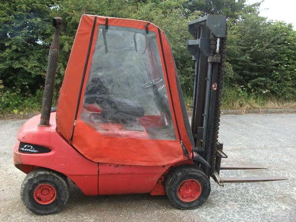 Second hand Linde H25 Fork Lift