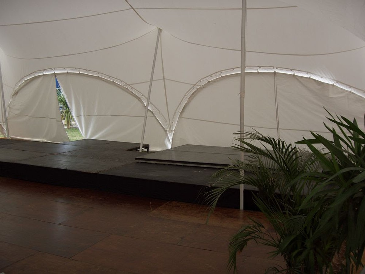 Curlew Secondhand Marquees Portable Stages 8 X4