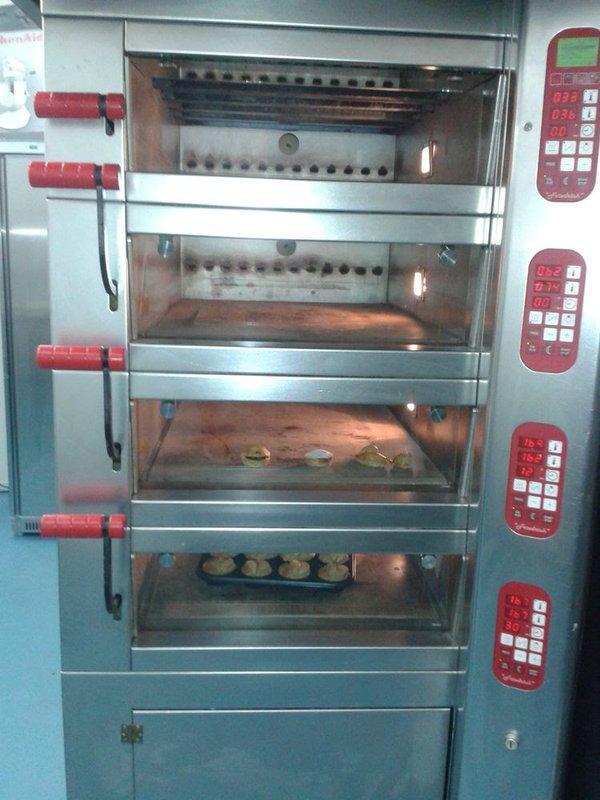 4 Deck bakery Oven