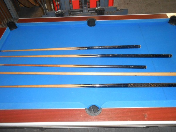6ft x 4ft pool table with cues