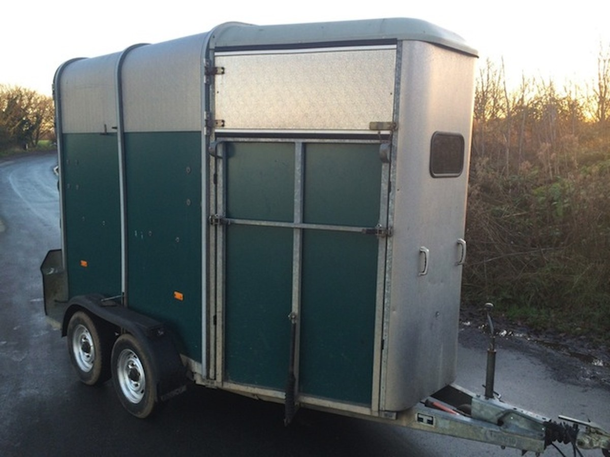 secondhand trailers horse boxes ifor williams hb 505 hunter horse trailer stafford. Black Bedroom Furniture Sets. Home Design Ideas