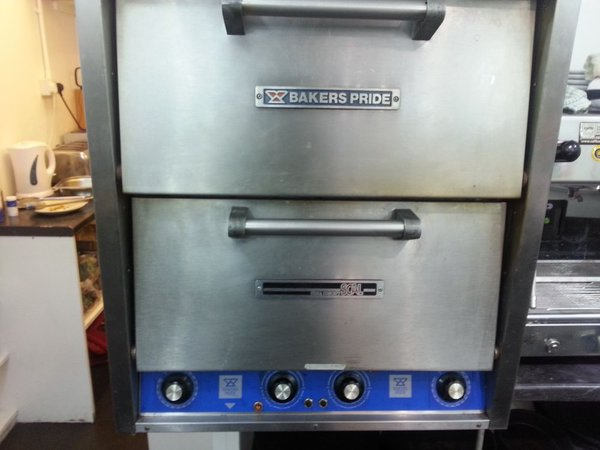 Bakers Pride Pizza Oven (electric)