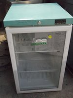 New LECPG307C  Medical  Under Counter  Fridge