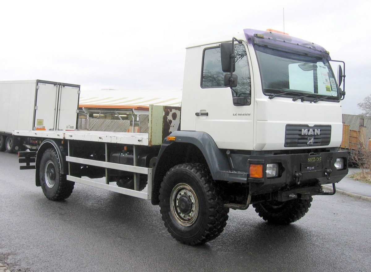 New Secondhand Lorries And Vans  4 X 4 And Off Road  Landreover Defender