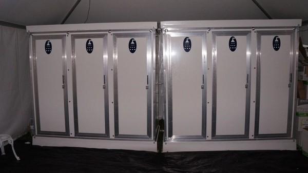Portable 3 bay shower units