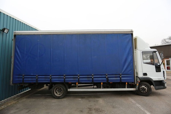 20ft curtain-side lorry for sale