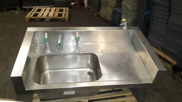 Single Heavy Duty Sink