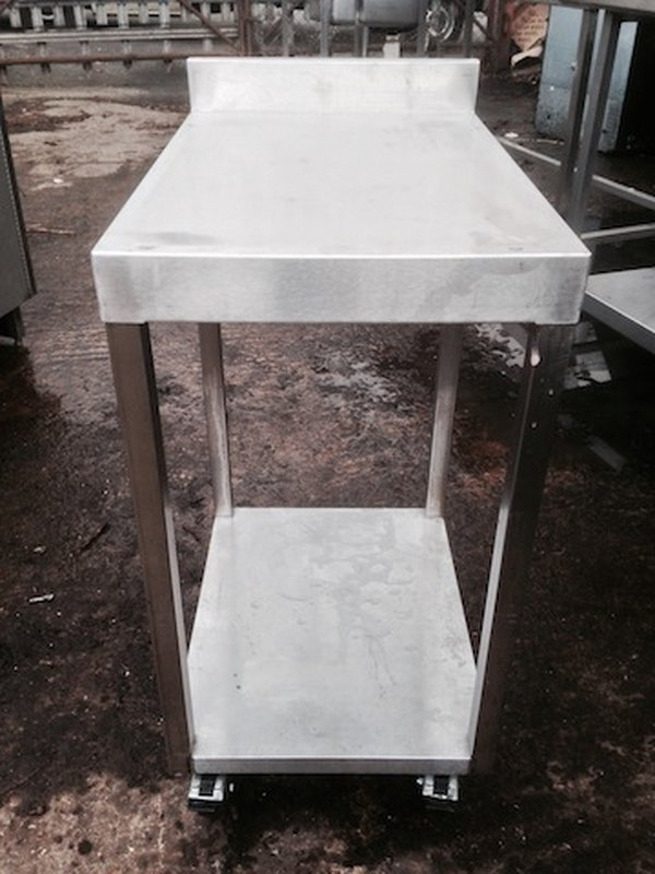 400mm x 610mm x 760mm(h) Stainless Steel Stand