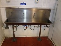 Unitech Knee Operated 4 Person Hand Wash Station